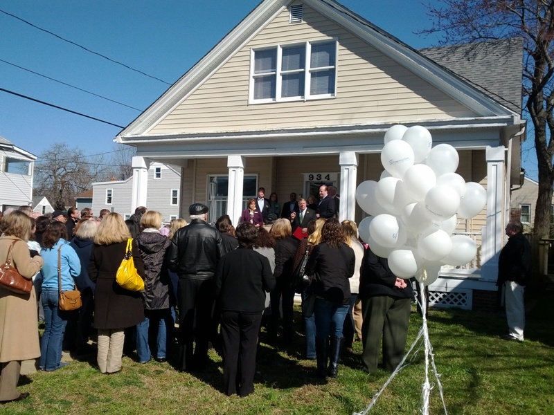 Annapolis Pregnancy Clinic Ribbon Cutting